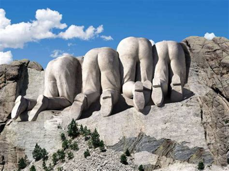 mount rushmore bizzare picture of the back of mount rushmore akademi fantasia travel