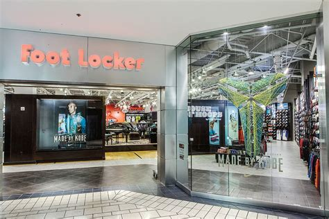 Foot Locker Jersey Gardens by The Evolution Of Foot Locker Stores 40 Years Sole