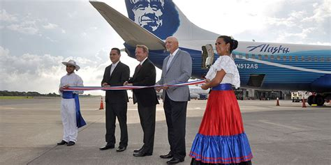 alaska airlines cruises into costa rica
