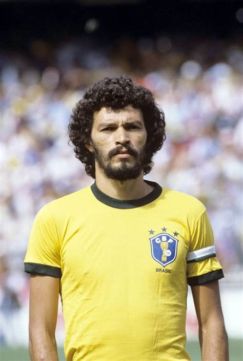 doctor socrates footballer philosopher s 243 crates footballer activist and medical doctor 1982 oldschoolcool