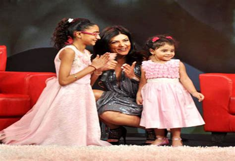 sushmita sen speech sushmita sen delivers a beautiful speech at her daughter s