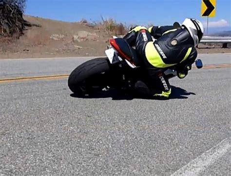 Motorrad Anmelden Und T V by Motorrad Streetracing In Zeitlupe Sehr Geile Aufnahmen