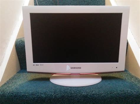 Tv Lcd Samsung 19 Inch samsung le19b541c4w 19 inch lcd television 1366 x 768 hdmi