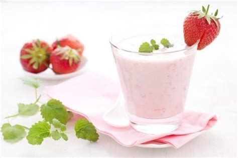 heavenly strawberry and cottage cheese breakfast smoothie