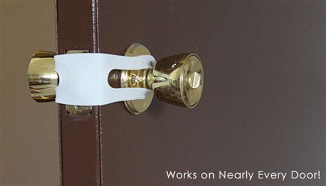 How To Unlock Door Without Knob by Door Bands Open Doors Without Turning Knob