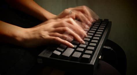 born digital adalah aturan mendasar copywriting untuk permudah penjualan