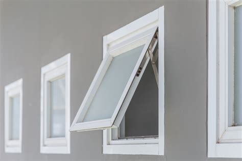 awnings in chicago the advantages and disadvantages of awning windows