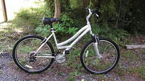 schwinn comfort series schwinn clear creek comfort bike 26 for sale