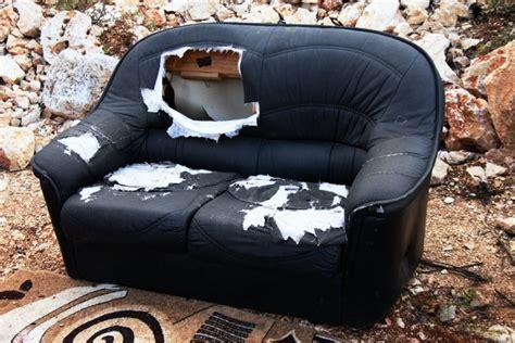 doing dirty on the couch didžiųjų atliekų aikštelėje leis nemokamai pasiimti baldus