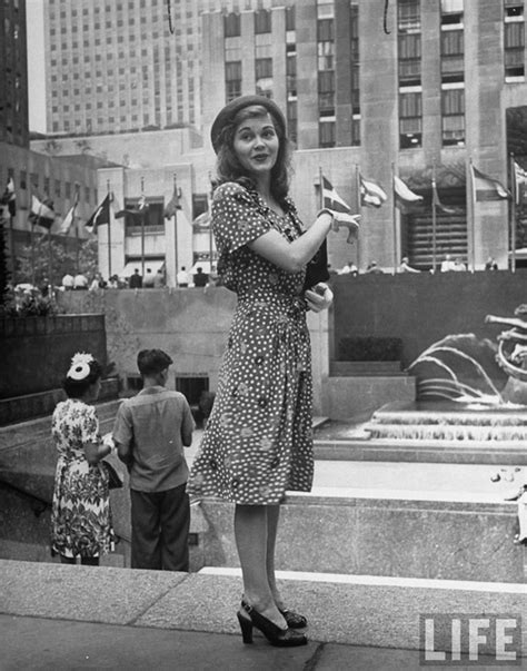 Beautiful Girls in New York, circa 1944