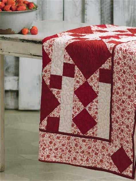 Bed Quilt Patterns by Quilting Bed Quilts Blanket Of Strawberries Free Quilt