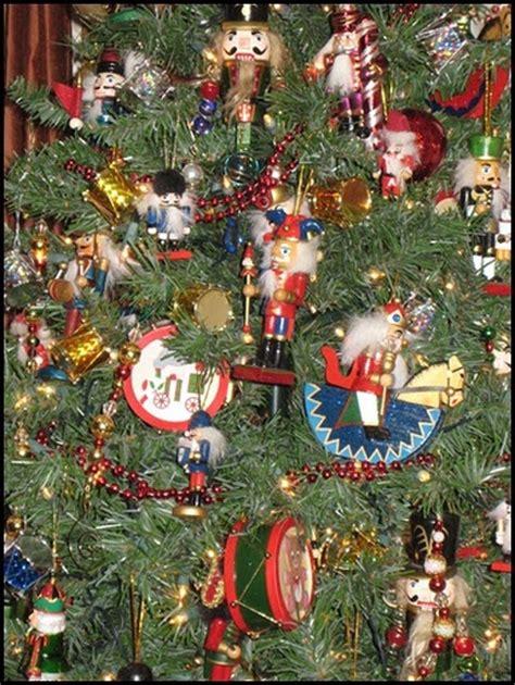 nutcracker themed tree nutcrackers cascanueces