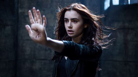 mortal instruments mortal instruments city of ashes set to shoot in 2014