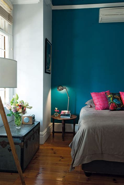 Teal Gray And Yellow Bedroom - best 25 peacock blue bedroom ideas on pinterest peacock paint colors blue bedroom and blue