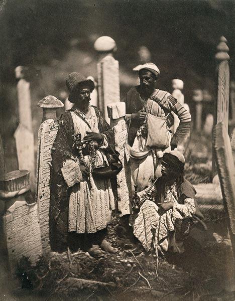 History Channel Ottoman Empire 1860 Mezarlıkta Birka 231 Insan Constantinople 1854 1880 Cemetery Ottoman Empire
