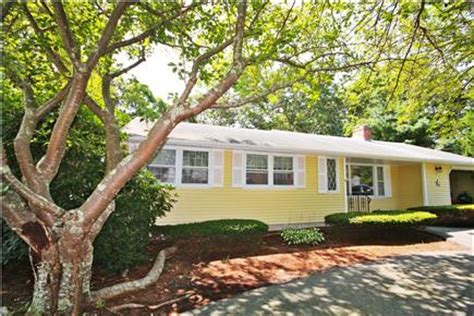 falmouth vacation rental home in cape cod ma 02536 1 4m