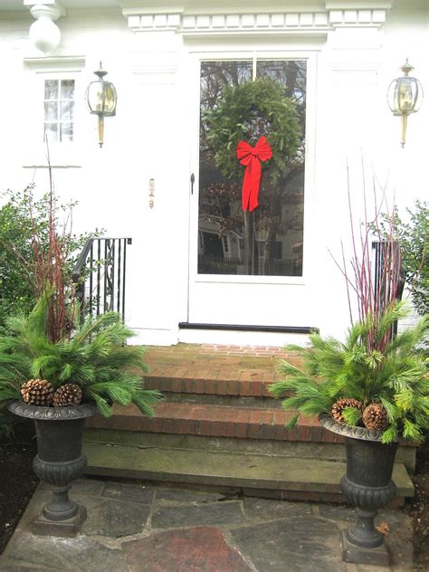 decorating the entrance to your home living it at home our easy christmas decorations for
