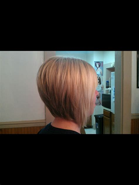 cutting a stacked angled bob angled bob haircut nicely stacked fashion pinterest