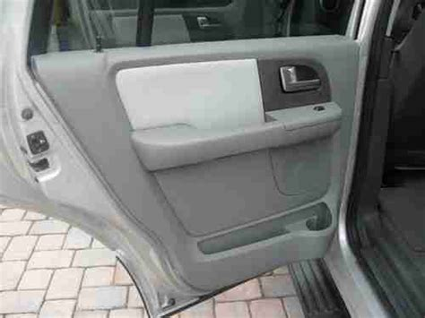 ford expedition third row seat sell used ford expedition xlt 8 seater third row of