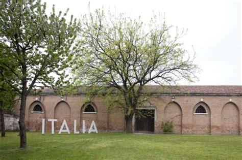 ingresso biennale venezia la biennale in vendita artribune