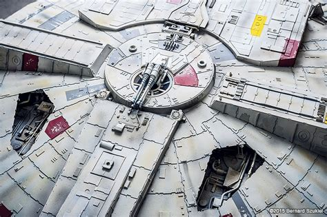 Millenium Falcon Papercraft - amazing paper model of the millennium falcon mightymega