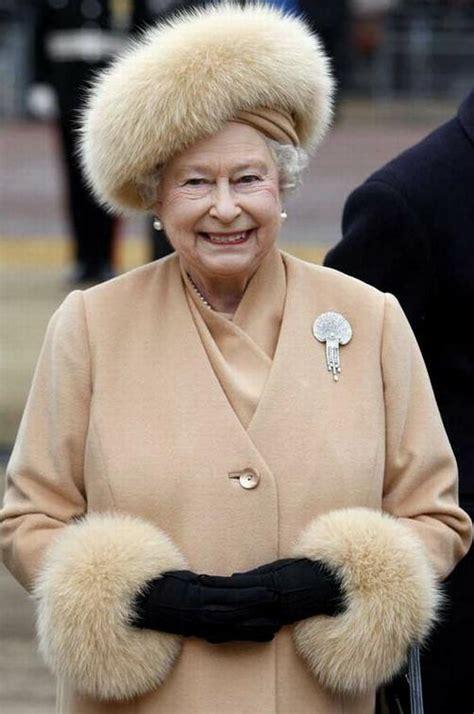 Queen Elizabeth Ii Corgis by 6 Fun Facts About Queen Elizabeth Ii Katie Armour Taylor