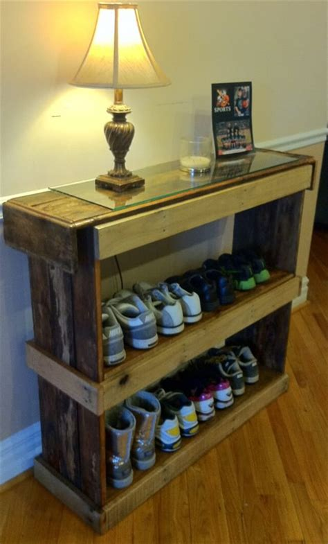 A Shelf Out Of A Pallet by Rustic Shoe Shelf Or Bookcase Pallet Furniture 101 Pallets