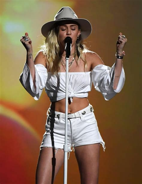 Miley Top miley cyrus billboard awards performance the