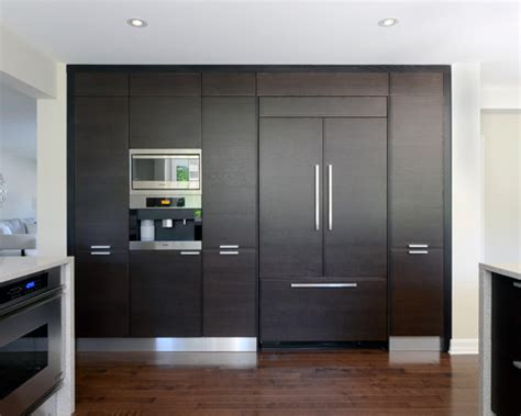 Popular Kitchen Cabinet Colors by Integrated Fridge