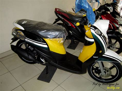 Motor Modif Skotlet Orange by Kumpulan Modifikasi Motor Mio Sporty Warna Hitam