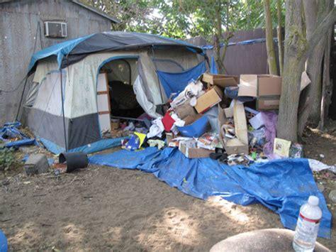 Jc Backyard Inside Jaycee Dugard S Terror Tent Photo 1 Pictures