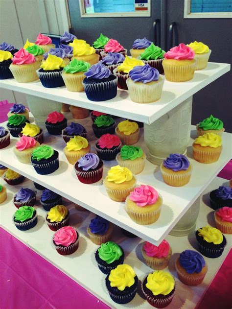 Diy Cupcake Stand Ideas 25 Best Ideas About Cupcake Tower Stand On Pinterest Tower College Diy Cupcake Stand And