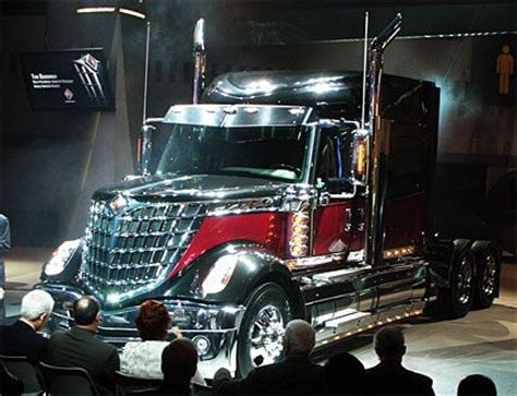 luxury semi trucks navistars fuel efficient lonestar semi truck is lustworthy