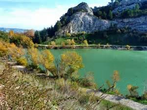 photois panoramio photo of le petit lac d orgon