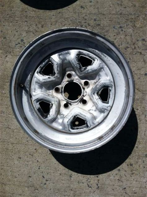 what lug pattern is a s10 find 1 15 x 7 chevy rally wheel 5 on 4 3 4 quot lug pattern