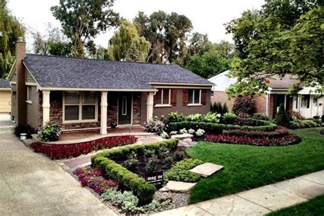 41 best images about front yard on pinterest board and batten shutters landscaping ideas and
