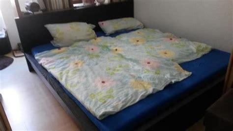 matratze 2x2m verkaufe doppelbett 2x2m schwarz mit zwei passenden