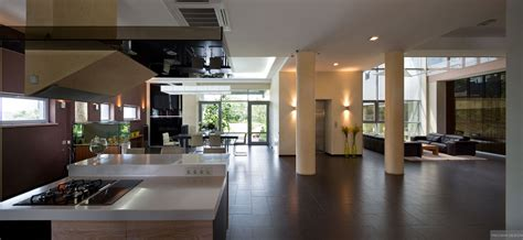 Modern Open Plan Kitchen Designs by Modern Gas Kitchen With Fish Tank And Open Plan Pillars