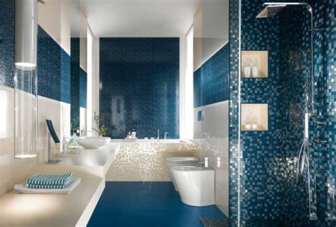 Dekor Muster by Fliesen Badezimmer Mit Mosaik Muster In Tiefblau Dekor