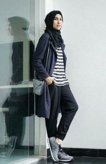 model baju muslim casual bergaya sporty busana muslim