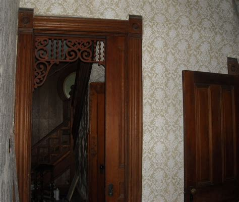 keyhole doorway 100 keyhole doorway open door door knob keyhole on