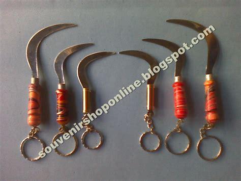 Souvenir Gantungan Kunci Hiasan Khas Irak 1 grosir souvenir suramadu batik dan kaos madura oleh