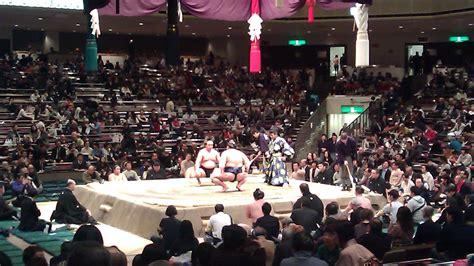 tips  watching sumo wrestling  japan  travel sisters
