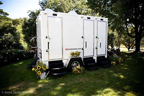 bathrooms for outdoor weddings portable restrooms for weddings home design tips and guides