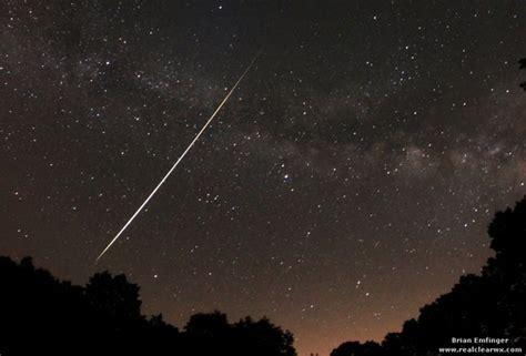 lyrid meteor shower to peak this weekend may be best in years lyrid meteor shower photos amaze skywatchers lyrid