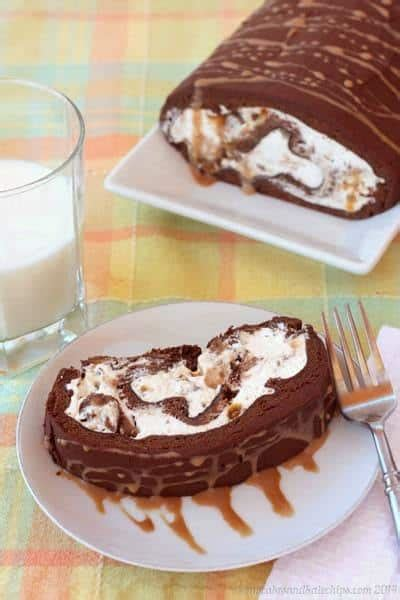 pac two way cake 03 caramel way simply caramel flourless chocolate cake roll
