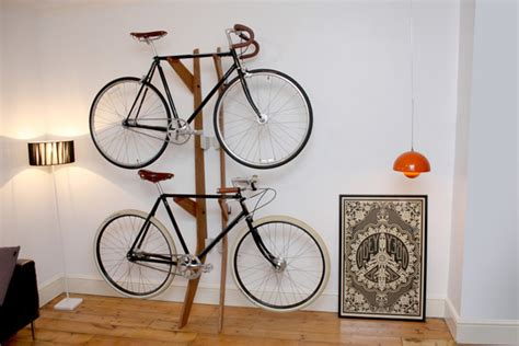 lade appese je fiets als pronkstuk in de huiskamer de velotari 235 r