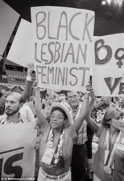 lesbiche in giardino donne lesbiche dal 1890 ad oggi un secolo di comunit 224