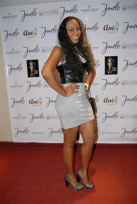 Who Wore Bebe Better by Vs Yvonne Nelson Who Wore The Bebe Hooded
