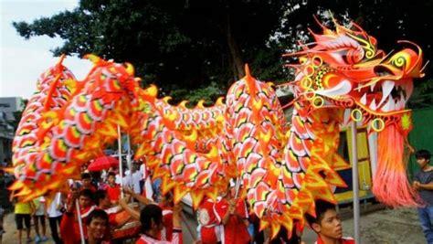 Etnis Tionghoa Dan Nasionalisme Indonesia Sebuah Bunga mengenal tari naga masyarakat tionghoa indonesia pesona
